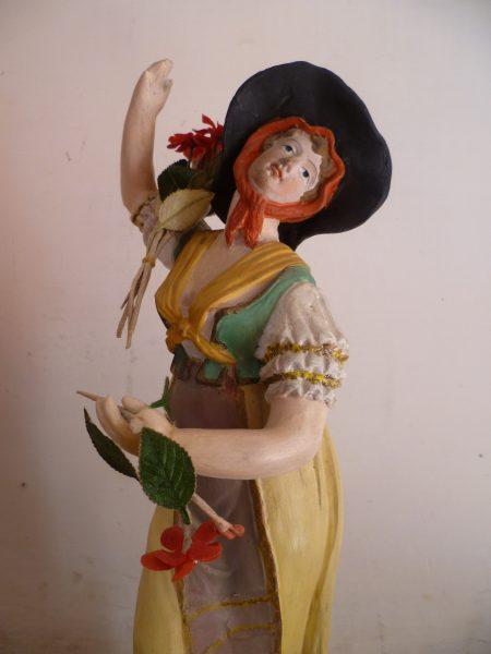 Santibelli profane, danseuse