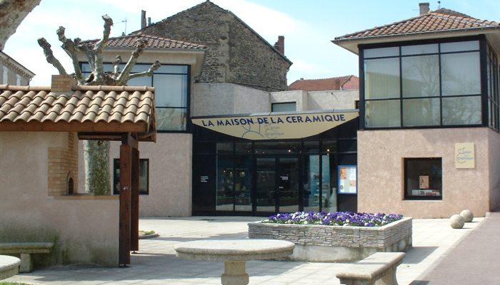 maison-ceramique-saint-uze-facade-four.jpg
